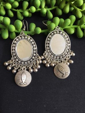 Oval shape mirrored earrings