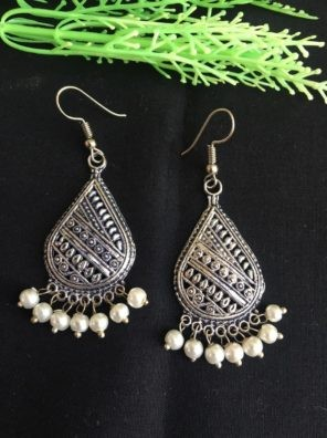 silver earring with pearl