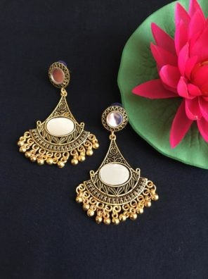 Mirrored earring for women