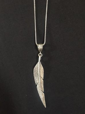 Feather chain pendant set