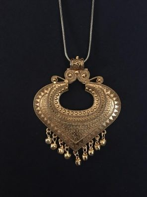 Oxidized golden necklace set