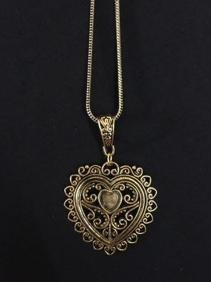 Heart shape pendant set