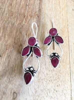 maroon stone earrings