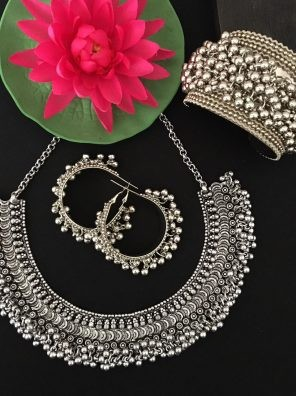 Ghungroo necklace set for women