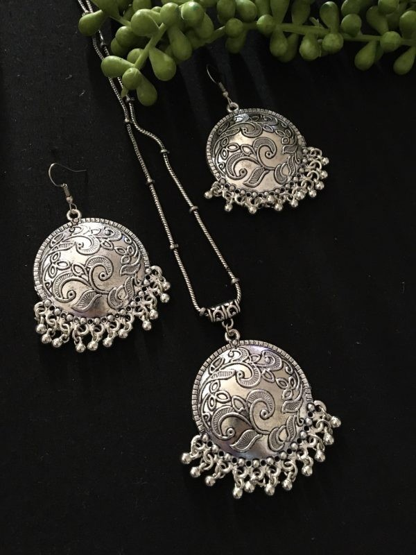 Silver chain pendant for girls